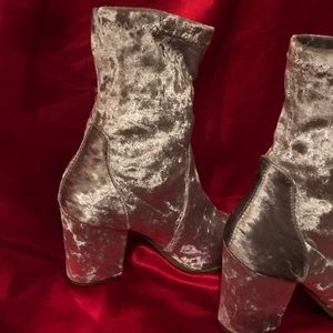 Platinum ankle high cowboy boots.